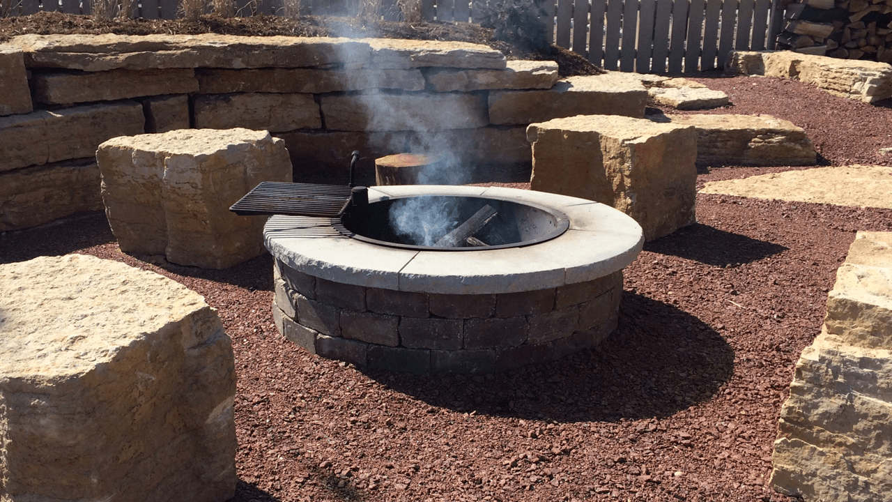 Kisser-Stone-and-Garden-Stones-Fire-Pit